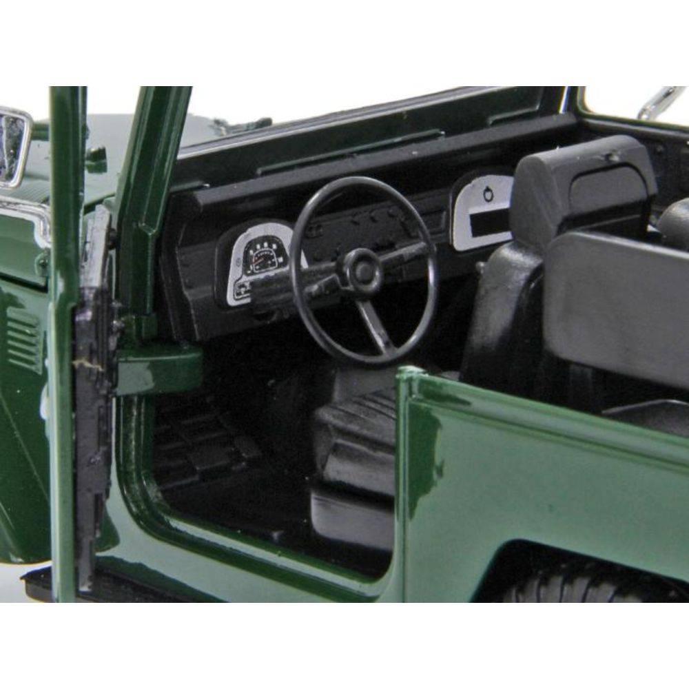 Toyota Fj40 Bandeirante - Escala 1:24 - Motormax