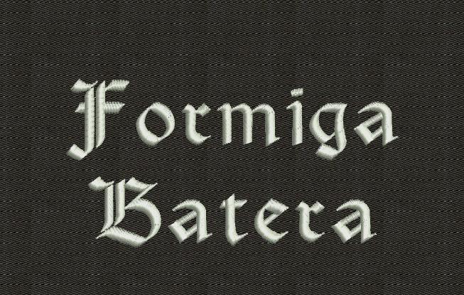 Capa para violão clássico comum com personalização de um nome bordado