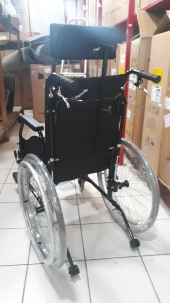 Cadeira de Rodas Aluminio 44cm Fit Reclinável Preta - BAXMANN E JAGUARIBE