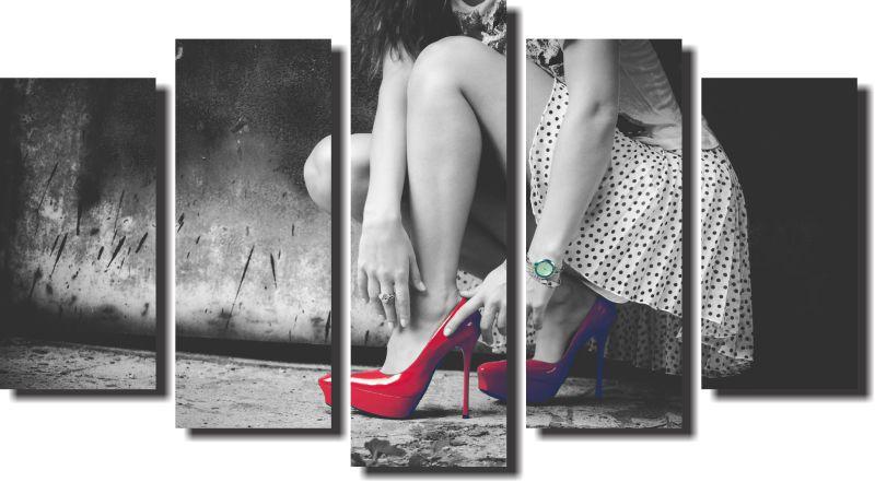 Quadro Mulher pernas salão fundo preto e branco 5 peças