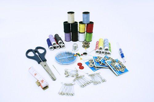 Máquina de Costura Compacta  + Kit Costura 100pçs GRÁTIS SM-500