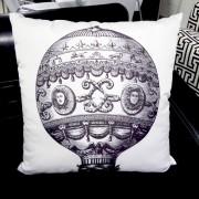 Almofada Balão - Preta e Branco 50x50cm