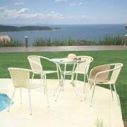 Conjunto com Mesa e 04 Cadeiras Fitão em fibra sintética