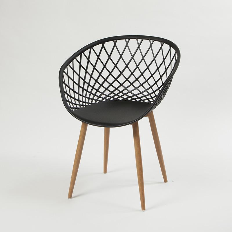 Cadeira Stela com Braço e Assento em Polipropileno