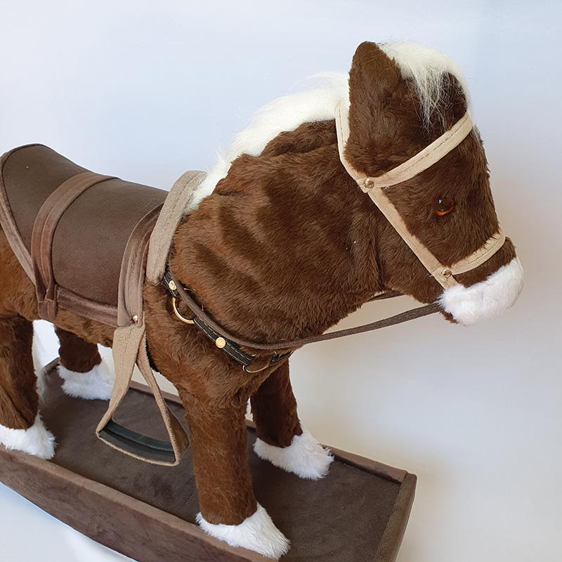 Cavalinho de Balanço para Crianças de Madeira e Pelúcia Marrom
