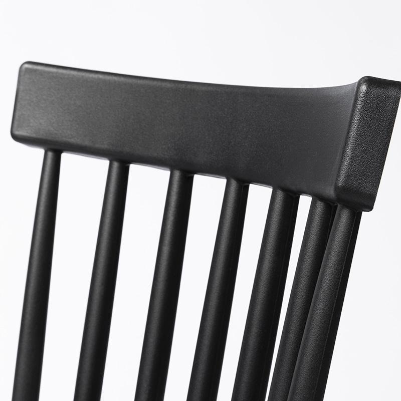 Conjunto 02 Cadeiras Gabriela em Polipropileno e Pés em Madeira