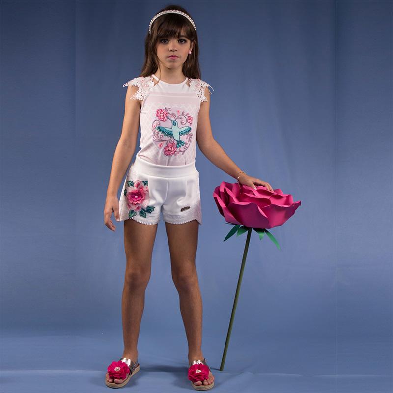 Conjunto Infantil Short e Blusa com aplicações de Flores Kukixo