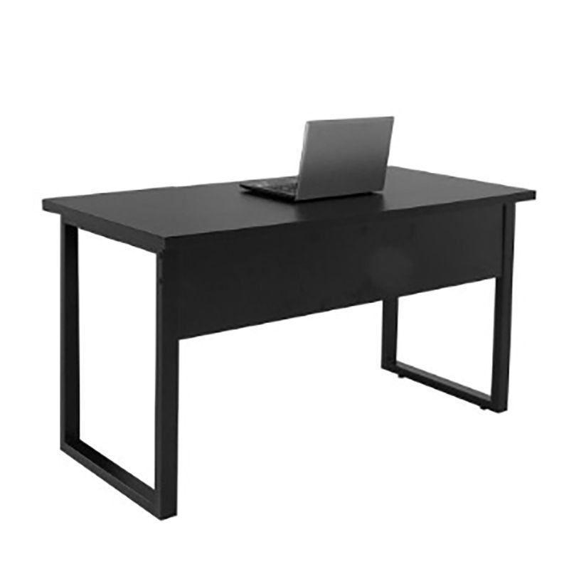 Mesa para escritório 137 x 60 cm com pés em aço Safira