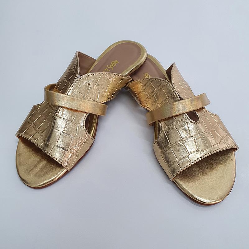 Rasteira Flat Metalizado Croco Ouro Anjos e Arcanjos