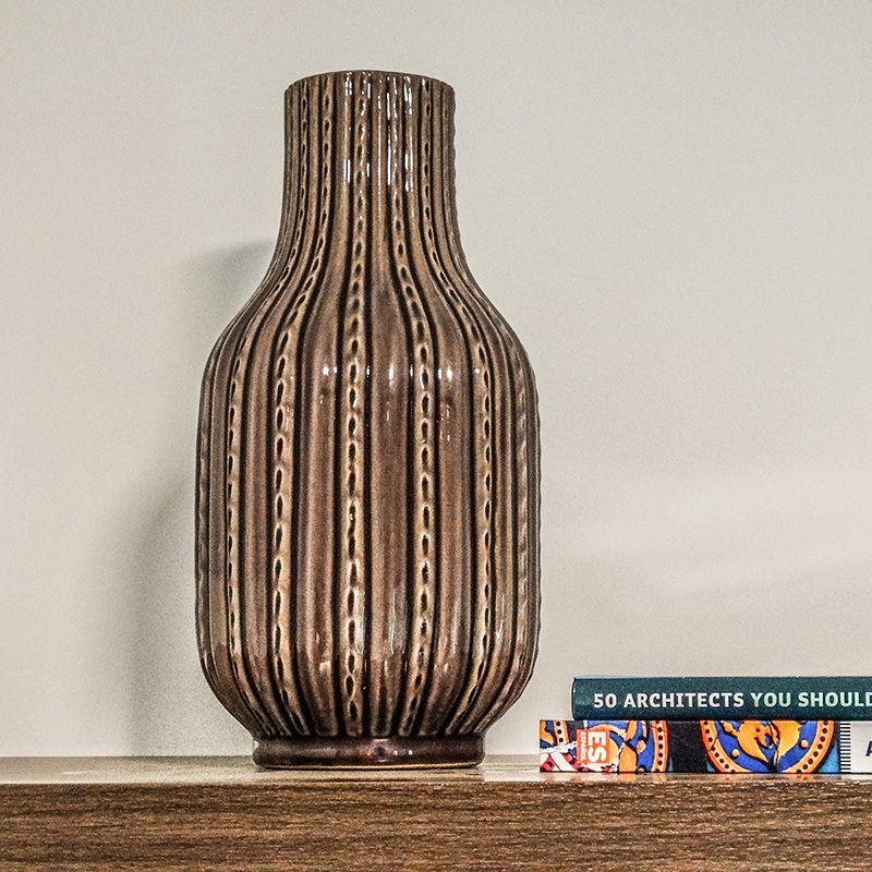 Vaso Decorativo Médio em Cerâmica com tons de roxo