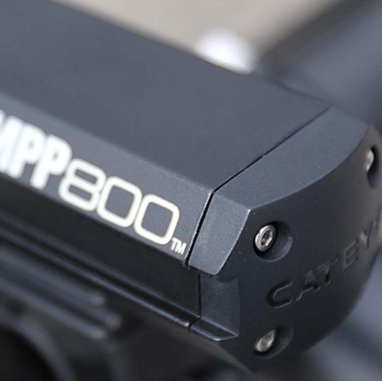 Farol Dianteiro Cateye AMPP800 Recarregável USB - 800 Lúmens