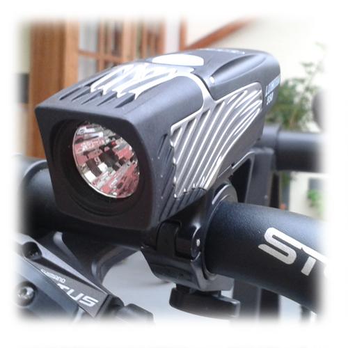 Farol / Luz / Lanterna Dianteiro NiteRider Lumina 550 para Bike
