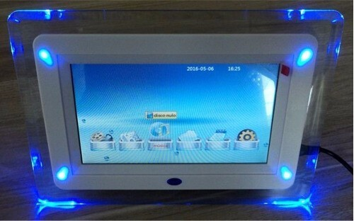 Porta Retrato Digital LCD 7 POL para Retirada de Pecas - LCD Perfeito - Barbada