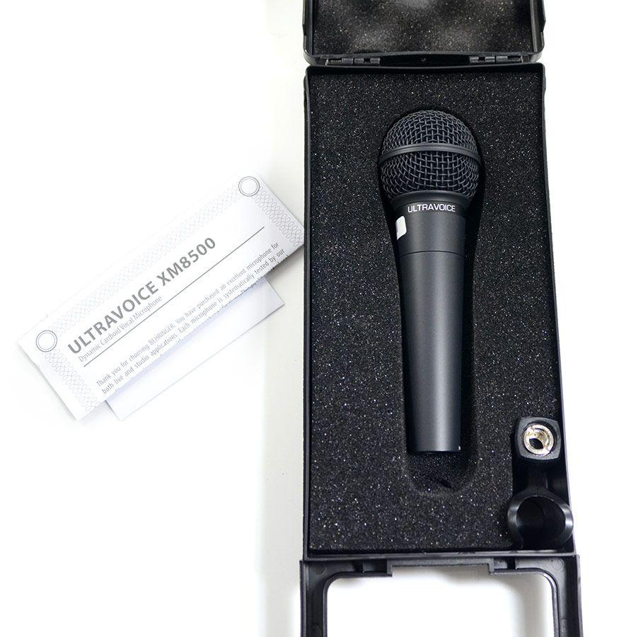 Microfone Behringer Ultravoice Xm8500 Dinamico Cardióide Preto