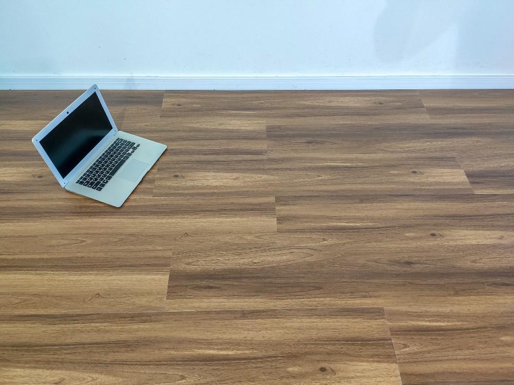 Piso Vinilico Click BR Floor 4mm - Sucupira (m²)