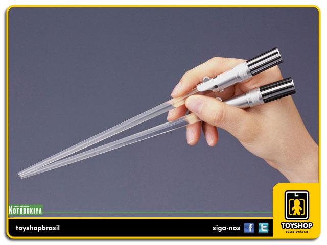 Star Wars: Luke Skywalker Lightsaber Chopsticks - Kotobukiya