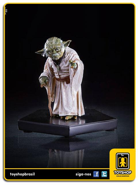 Star Wars: Estátua Yoda Art Scale 1/10 - Iron Studios