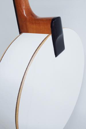 Banjo Rozini Studio Branco Elétrico com Cápsula de Microfone RJ11ELB