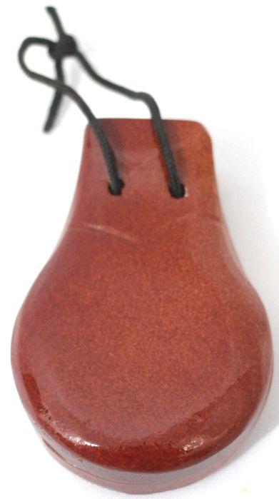Castanhola em Madeira Custom