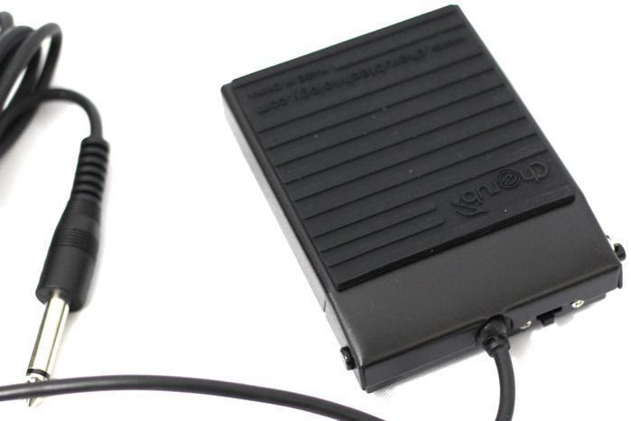 Pedal Sustain para Teclado - Compacto Cherub WTB-004