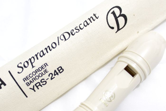 Flauta Doce Soprano Barroca Yamaha YRS-24B