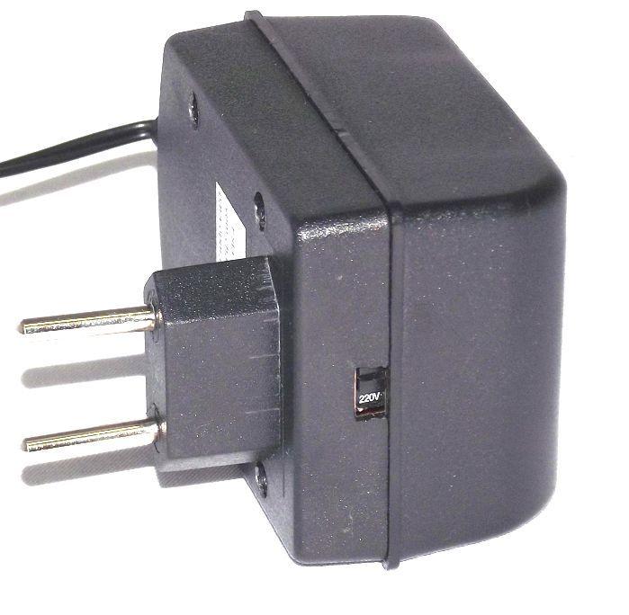 Fonte para 4 Pedais com 4 PLUGS 9VDC ATE 1A ou 300MA P/PLUGUE - ADP-930/4