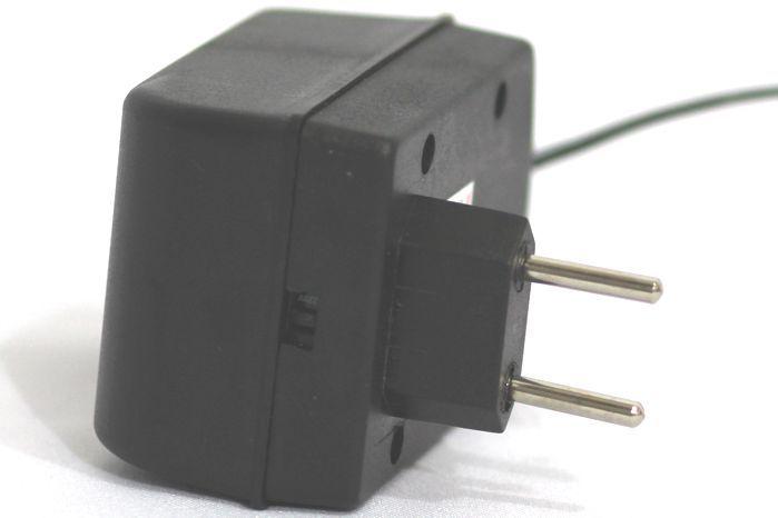 Fonte para 8 Pedais com 8 PLUGS 9VDC 300MA P/PLUGUE Interno Negativo - ADP-930/8