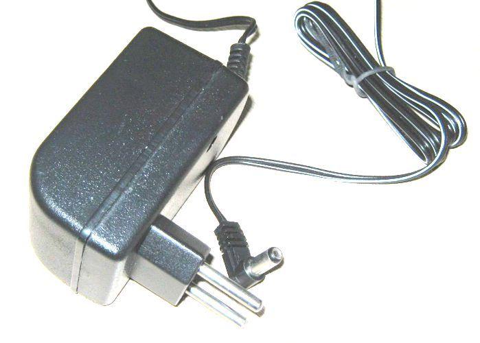 Fonte para Pedaleira BOSS 9VDC 500MA - Mytsuba - Compativel AO PSA-120S e 120ZS e PSA-230S  --  FCPB-905