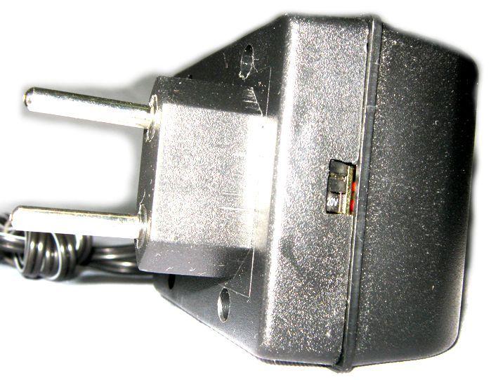 Fonte para Pedaleira XVAMP 9V Alternada da Behringer - ADP-908AC