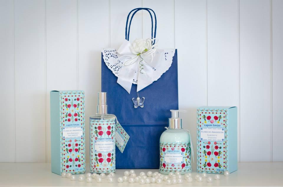 Kit Água perfumada + Sabonete Líquido Capim Limão - Flores do Amanhecer - Embalagem Presenteável