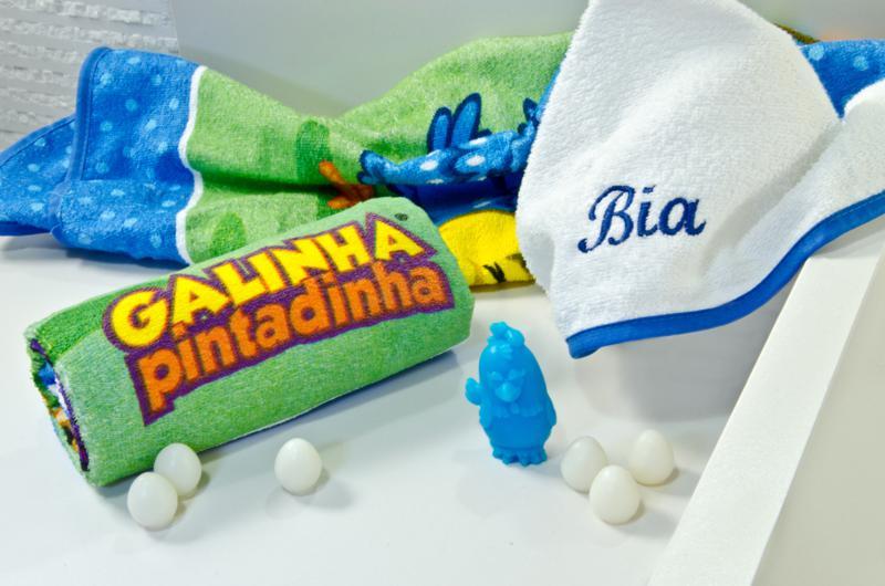 Toalha de Banho Galinha Pintadinha com Capuz Döhler