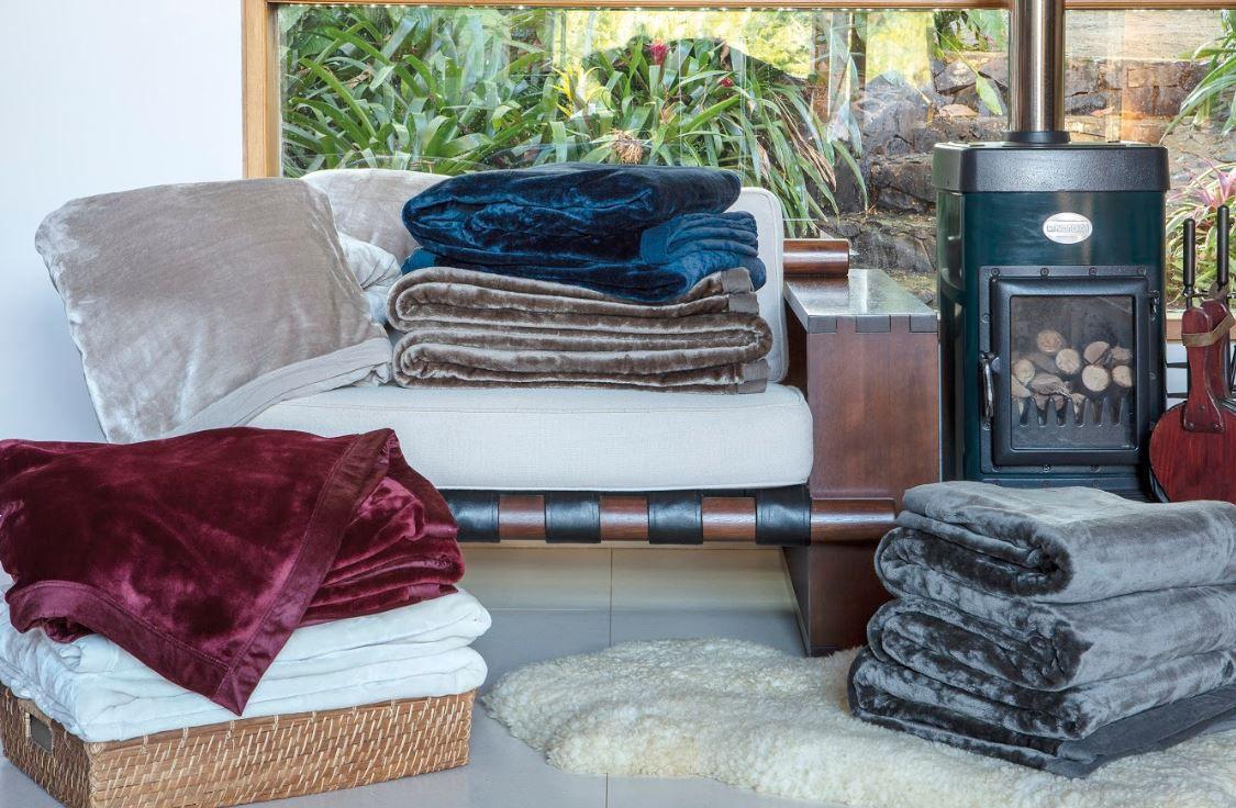 Kit 2 Cobertores Blanket 600G Queen Toque de Seda Kacyumara