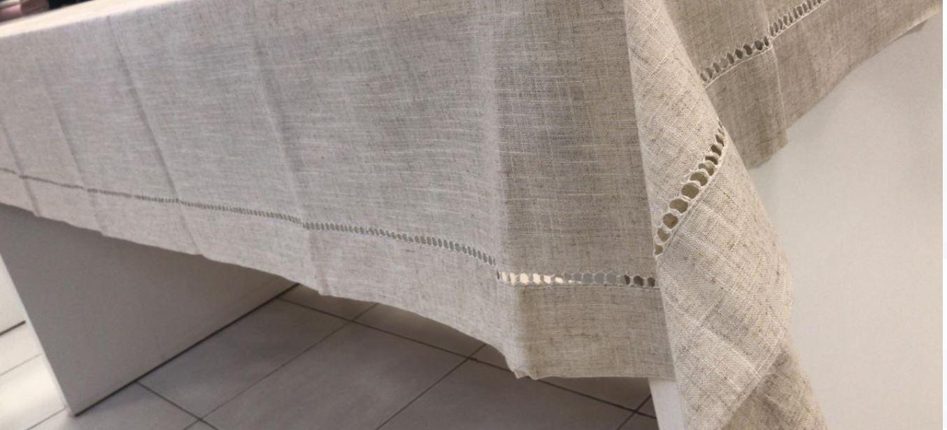 Toalha de Mesa Retangular Bordada 6 Lugares Bege Multi Trade