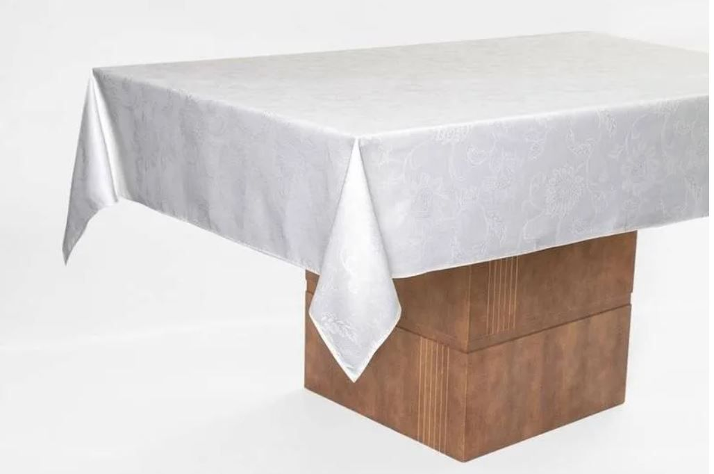 Toalha de Mesa Quadrada Celebration Sienna Branca 8 Lugares Karsten