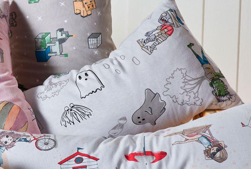 Travesseiro Body Pillow Mundo Kids Zumbi c/ Fronha Altenburg