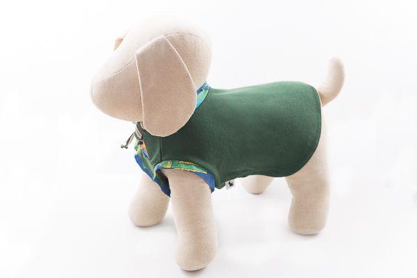 Polo gola careca de tecido polo verde escuro com detalhe na gola