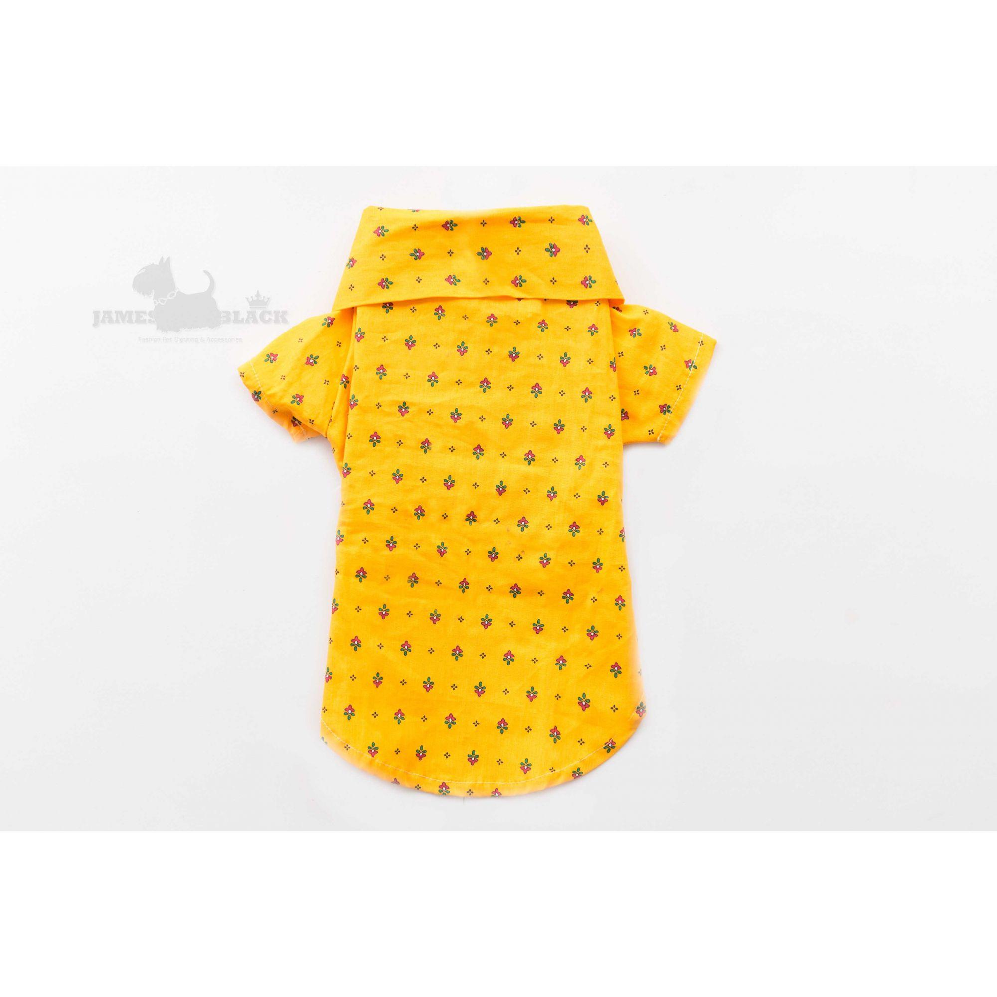 Polo Amarela Gema com Detalhes de Florzinhas e Botões Caramelo