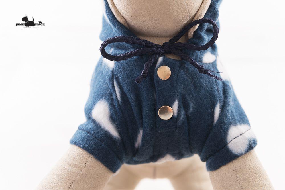Moletom Azul Marinho com Capuz  e Corações Brancos