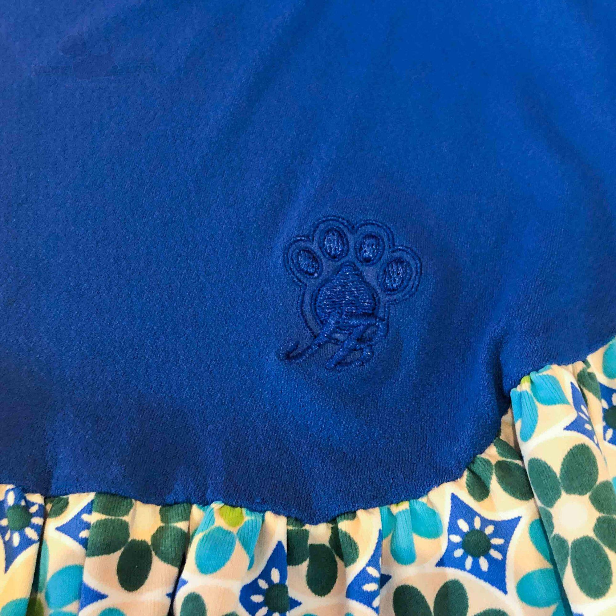 Vestido DryFit Azul Estampado  e Patch