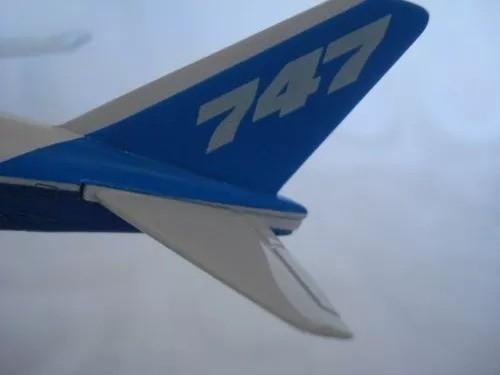 Avião 747 Metal 31x28cm Miniatura Coleção  - Presente Presente