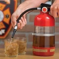 Dispenser De Bebida Formato Extintor De Incêndio  - Presente Presente