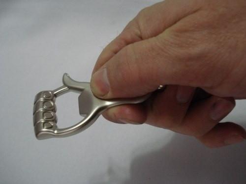 Chaveiro Mão Abridor De Garrafa Joia Aço Inox  - Presente Presente