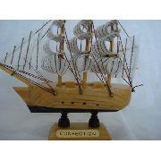 Barco Caravela Veleiro Tecido Decorativa Presente 11cm
