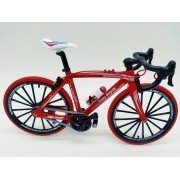 Miniatura Bicicleta Moutain Bike Mini Vermelha Red Tire