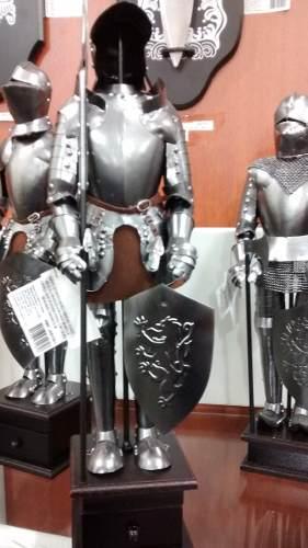 Enfeite Armadura Medieval 46cm Cavaleiro Escudo Cruzadas  - Presente Presente
