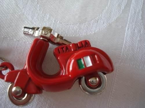 Chaveiro Moto Vespa Roma Italia Motoneta  - Presente Presente