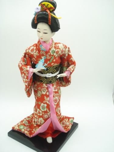 Boneca Gueixa Japonesa Borboleta E Cesto Chinesa Oriental  - Presente Presente