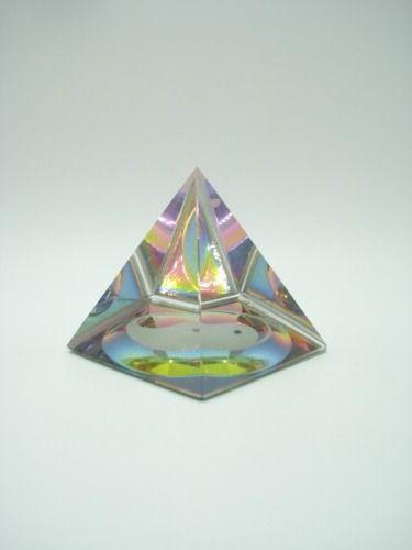 Enfeite Pirâmide Cristal Iyn Yang Decoração Coleção Energia  - Presente Presente