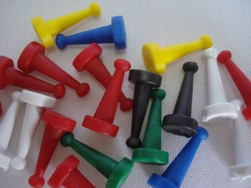 Conjunto 4000 Pinos Peão Jogo + 1000 Dados 10mm  - Presente Presente