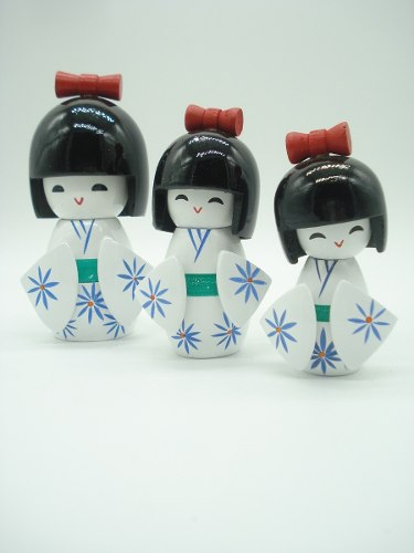 Boneca Kokeshi Japonesa Trio Branca  - Presente Presente